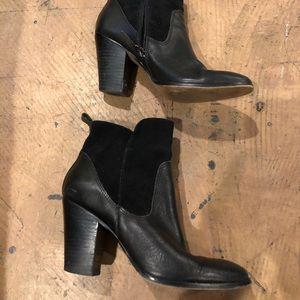 Donald J Pliner women's boots